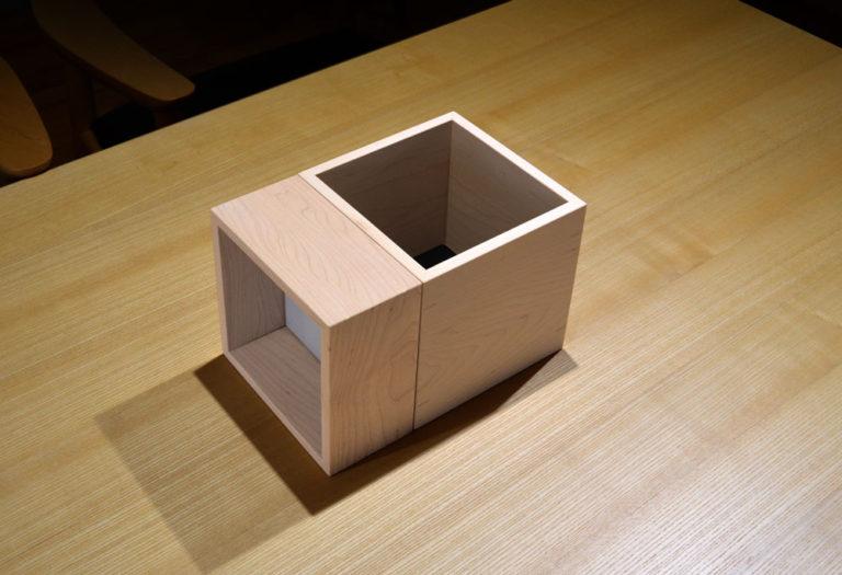 新商品p.boxのイメージフォト。据え置きのハイアングル。 3/10
