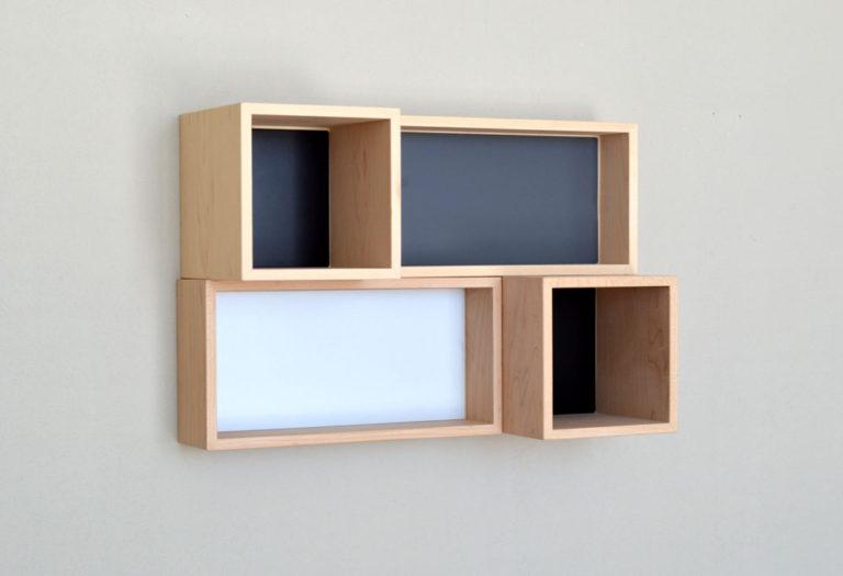 新商品p.boxのイメージフォト。ボード壁面に設置。 6/10